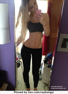 5862370-sexy-selfie